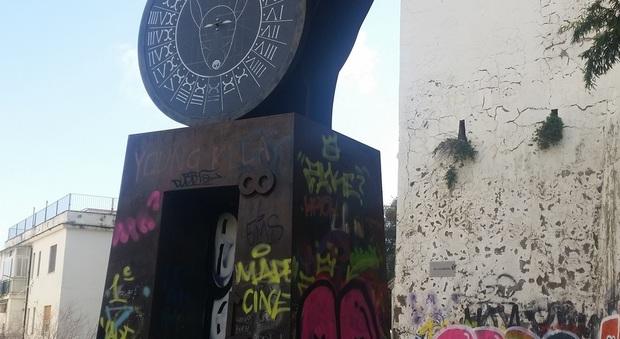 Metrò Napoli, vandali a Salvator Rosa: deturpate le opere di Paladino