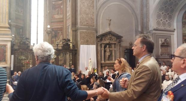 Cecchi Paone: «Sono devoto a San Gennaro, il miracolo del sangue ha una grande forza simbolica»   Video
