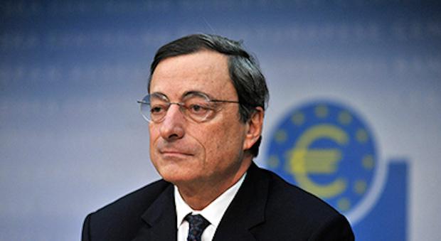 Draghi: «Crescita prosegue, ma restano rischi di ribasso»
