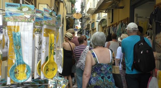 Campania felix, turisti in crescita: «Ma resta il nodo trasporti»