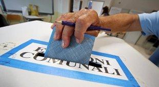 Ballottaggi: i seggi sono aperti Avellino, sfida M5S-centrosinistra Si vota in 9 comuni del Napoletano