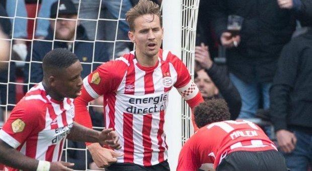 Eredivisie, il Psv vince  contro il Den Haag e aggancia l'Ajax