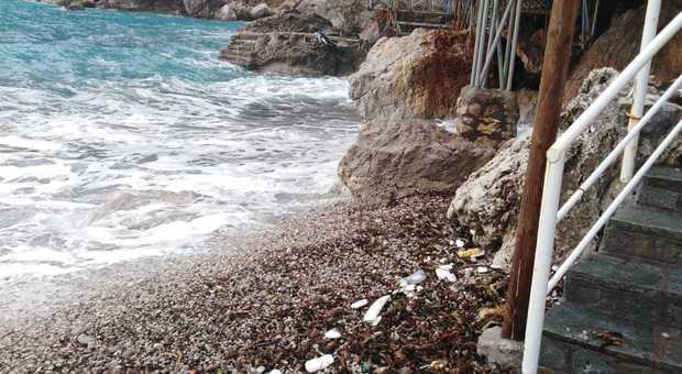 Maltempo a Capri, stop agli aliscafi e corse a singhiozzo per i traghetti - Il Mattino