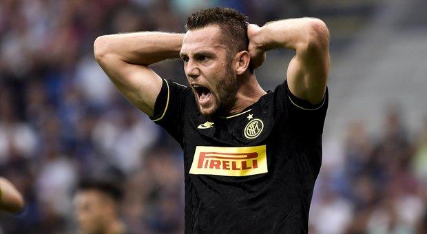 Inter, De Vrij: «Vincere il derby per dare una risposta dopo lo Slavia»