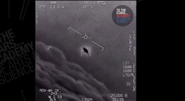 Ufo filmato dai caccia americani? La Marina: «Fenomeni aerei non identificati»