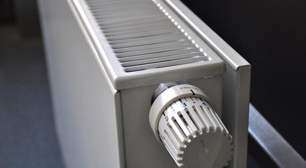 Quando si potranno riaccendere i termosifoni? Date, orari e tutto quello che serve sapere