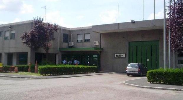 Certificati falsi per favorire detenuti condannati medici - Scuola di cucina santa maria capua vetere ...