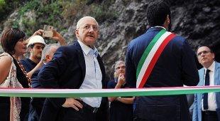 Sanità, De Luca scrive a Conte: «Stop alla gestione commissariale»