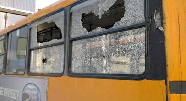 Napoli. Bus e metro collinare, oltre un centinaio di aggessioni in un anno