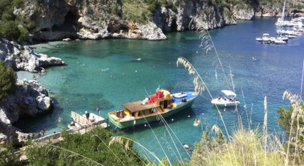 Controlli nell'area Marina Protetta degli Infreschi, multati sei diportisti