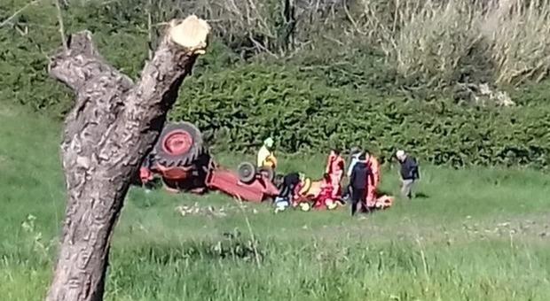 Travolto dalla macchina per raccogliere fagioli: muore agricoltore di 32 anni