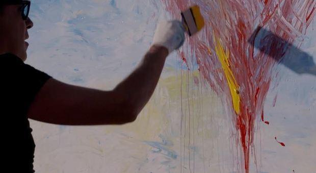 Regina dipinge il Vesuvio sul cono del cratere Video