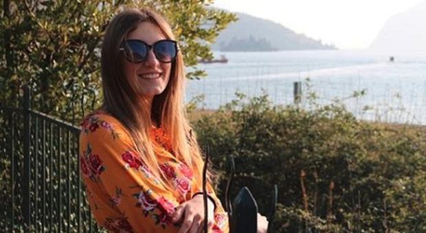 Meningite, Veronica muore a 19 anni: indagati 7 medici. La mamma: «Ci hanno detto: è gastroenterite»