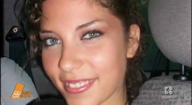Valentina impiccata a 19 anni rinviato a giudizio lamante