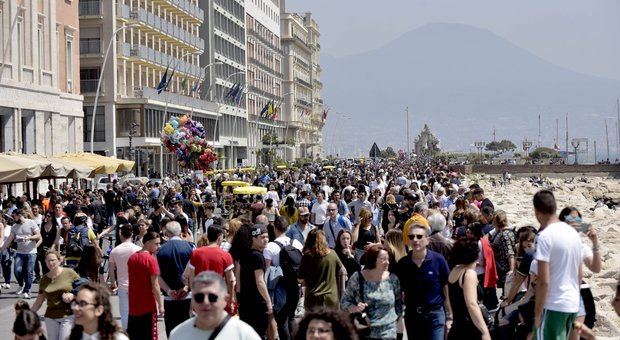 I quartieri: «Bloccate subito il restyling del lungomare di Napoli, che spreco»