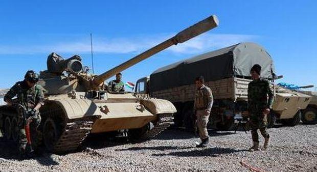 Apache Usa in azione a Mosul lIsis scatena i kamikaze timori per armi chimiche