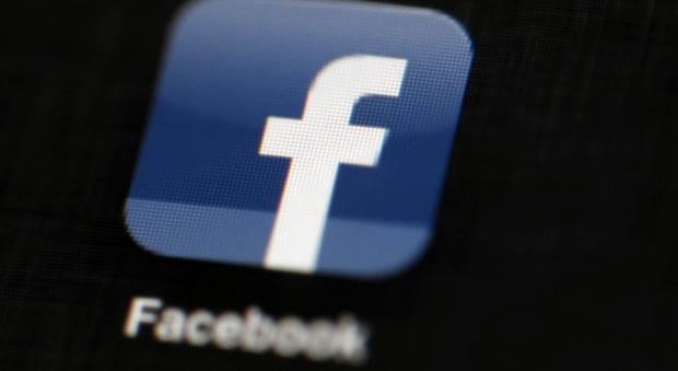 Facebook, l'algoritmo cambia ancora: «silenziati» i post acchiappalike e condivisioni