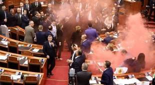 Albania, opposizione sull'Aventino: «Parlamento eletto dalla criminalità»