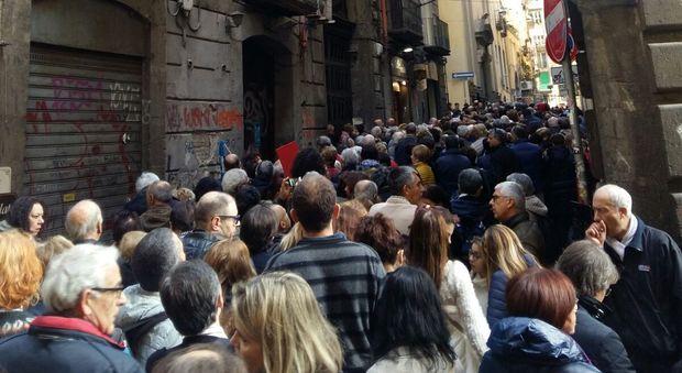 Napoli, folla a Cappella Sansevero tutti in fila per il Cristo velato