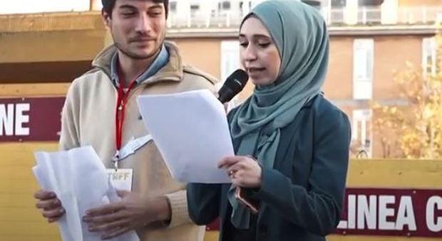 Sardine, Nibran l'anti-Meloni sul palco: «Sono una donna, sono una musulmana»