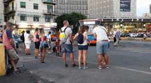 Napoli, la linea 151 fantasma: tre ore di attesa alle fermate