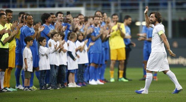 Da Totti a Buffon, parata di stelle  a San Siro per l'addio di Pirlo