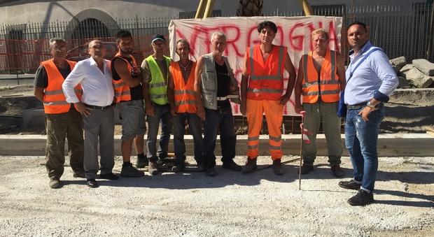 Napoli, protesta dei lavoratori di via Marina, senza stipendio da tre mesi
