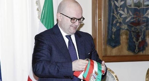 Sfiduciato il sindaco di Pompei Uliano: 10 consiglieri si dimettono