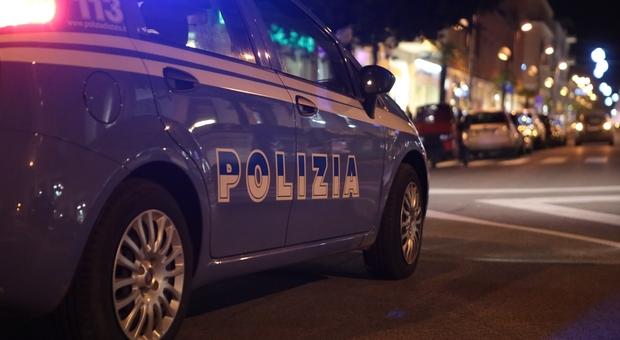 Colpi d'arma da fuoco  contro un'auto a San Giovanni