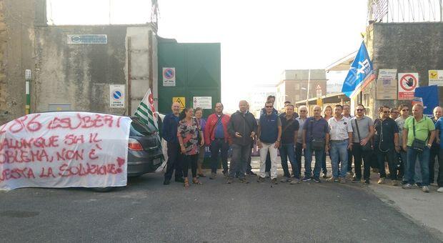 Tirreno Power, la protesta dei dipendenti: no alla mobilità, Sos alle istituzioni per salvare 186 posti di lavoro