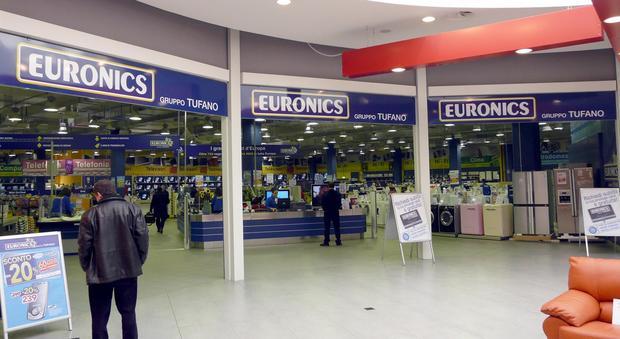 Napoli il gruppo euronics tufano apre un megastore in for Mobilia mega store salerno
