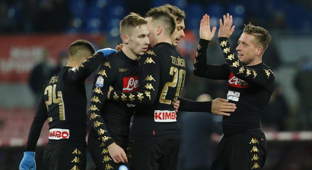 Zielinski apre, poi Giak e Giabbia Napoli ai quarti, 3-1 allo Spezia