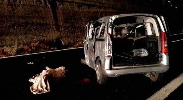 Schianto sull 39 a1 morto operaio napoletano tornava a casa for Piani casa per il fine settimana