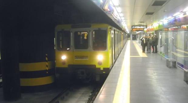 Napoli, metropolitana a rilento, fino all'11 settembre ancora orario estivo