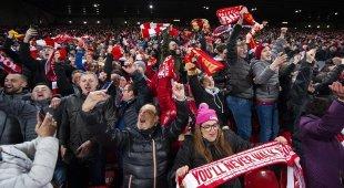 Sangue dopo Liverpool-Napoli, tifoso azzurro pestato dal branco