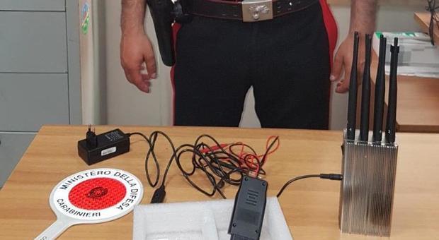 Jammer per clonare le chiavi elettroniche delle auto: 2 accusati nel Napoletano