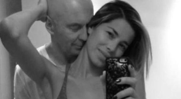 Baci e coccole in camera da letto i preliminari dei vip condivisi sui social network foto - Preliminari a letto ...