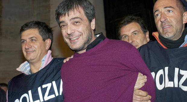 Traffico di droga per conto del clan Iovine, arrestato affiliato ai Graziano