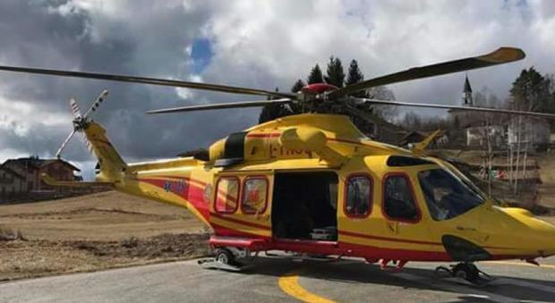 Elicottero Napoli : Precipita elicottero del due feriti il mattino