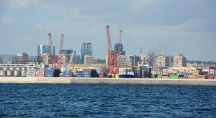 Gare d'appalto falsate al porto di Napoli: scattano sette arresti