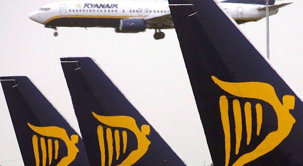 Ryanair e i voli cancellati, esposto alle Procure: «Disagi enormi, è una truffa»