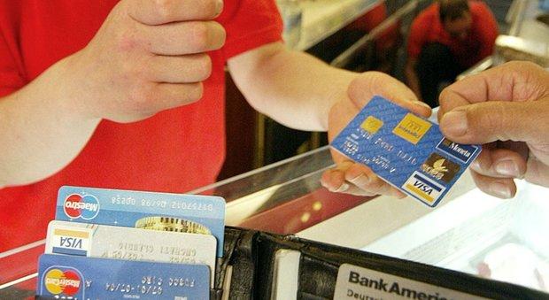 Carte di credito clonate, ancora una vacanza-truffa a Ischia