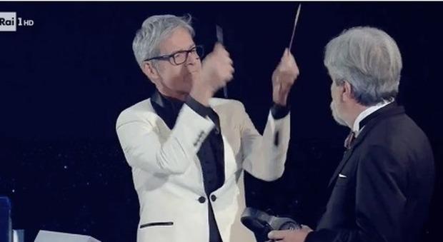 Sanremo baglioni litiga con il maestro vessicchio e gli for Casa artigiana progetta il maestro del primo piano