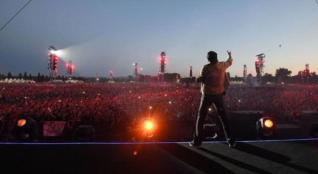 Vasco, quasi sei milioni davanti alla tv per il concerto leggenda di Modena
