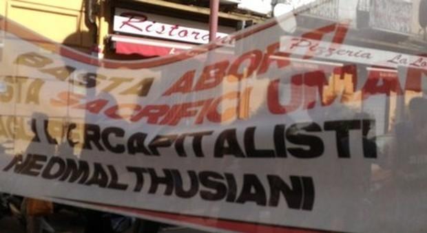 Due scuole in Campania alla marcia anti-aborto: è bufera