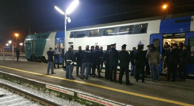 Napoli-Dinamo Kiev, tifosi ucraini fermati alla stazione di Villa Literno