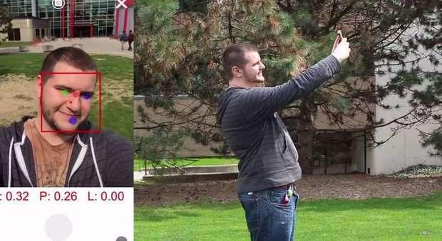 Selfie perfetto, il segreto in un'app: suggerisce dove posizionare la fotocamera