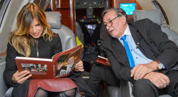Aereo Privato Napoli : Elisabetta canalis superstar atterraggio a vienna per il
