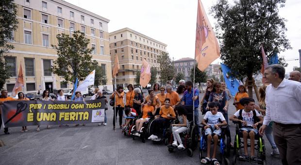 Napoli. Welfare in ginocchio: stop a 108 assistenti, a casa duemila alunni