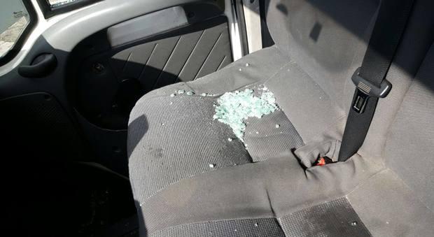 Aggressione al 118, figlio di paziente rompe il vetro dell'ambulanza